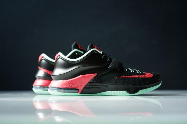 Nike_KD_VII_Good_Apples_Sneaker_Politics_1_2d022874-c5ea-4fb4-99f1-bc12838ec2a4_1024x1024