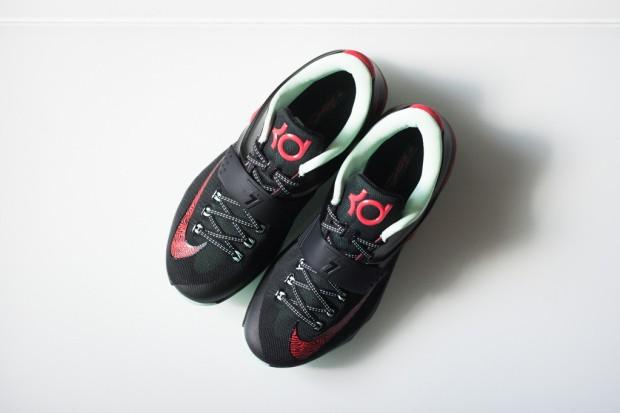 Nike_KD_VII_Good_Apples_Sneaker_Politics_2-3_1024x1024