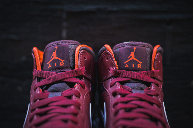 air-jordan-1-team-red-electric-orange-3