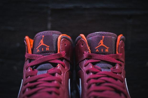 air-jordan-1-team-red-electric-orange-3