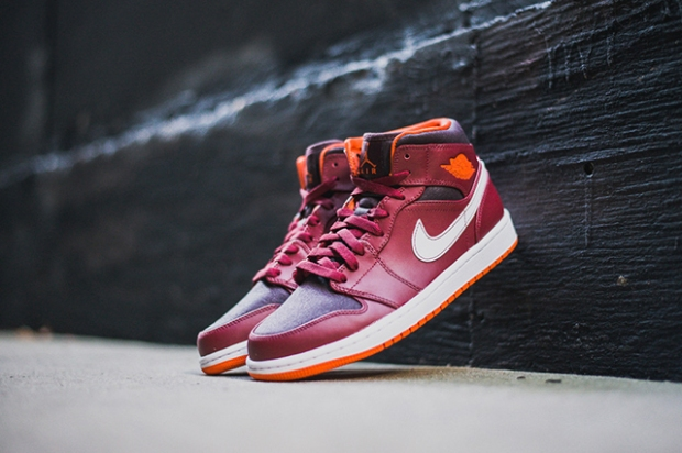 air-jordan-1-team-red-electric-orange-6