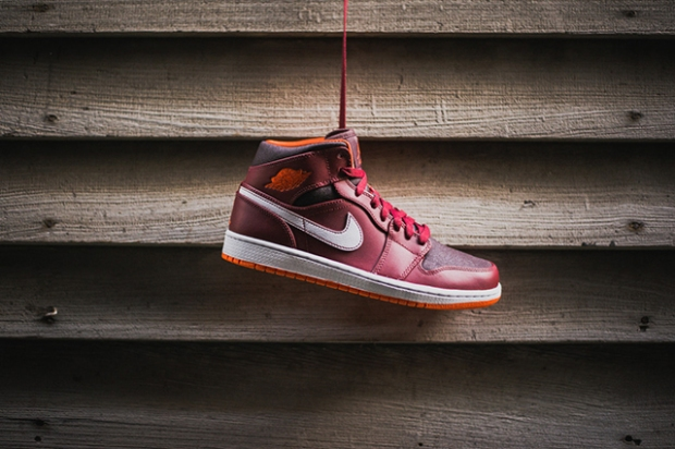 air-jordan-1-team-red-electric-orange