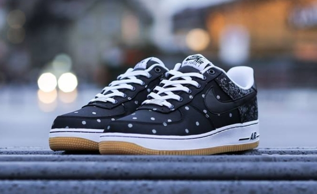 nike-air-force-1-lv8-black-white-gum-01