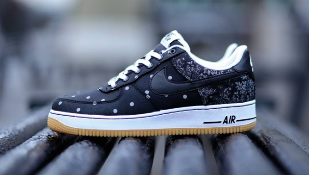 nike-air-force-1-lv8-black-white-gum-04
