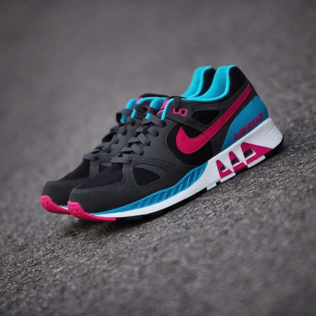 Nike-Air-Stab-Black-Pink-Blue-2