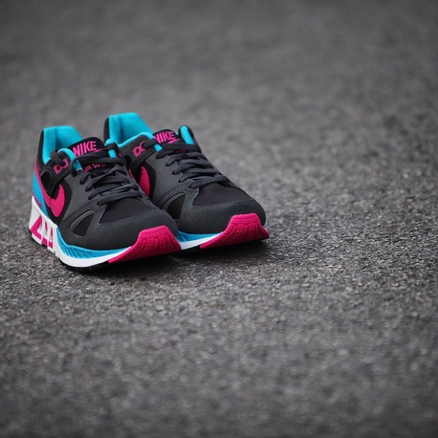 Nike-Air-Stab-Black-Pink-Blue-3
