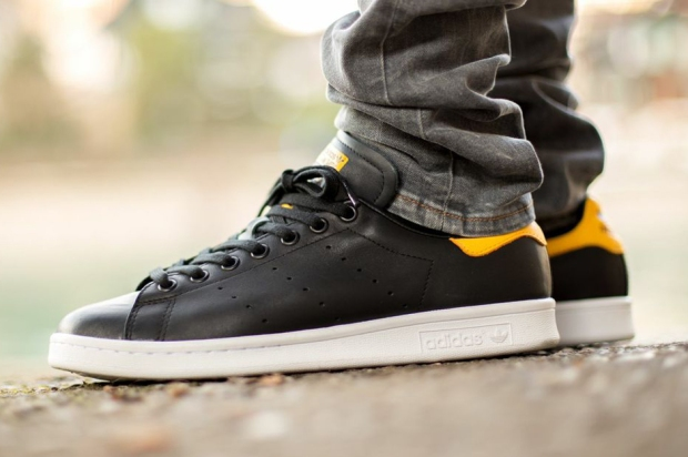 adidas-originals-stan-smith-black-yellow-02