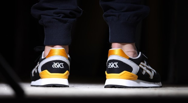 afew-store-sneaker-asics-gel-atlanis-black-soft-grey-yellow-18